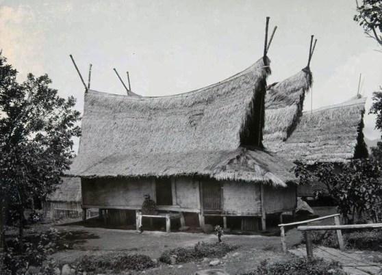 Rumah Adat Sunda Julang Ngapak