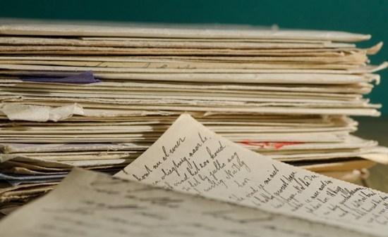 Jenis-jenis Surat Berdasarkan Sifatnya