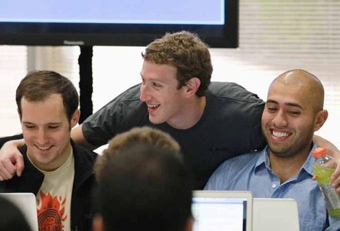 Mark Zuckeberg dan Karyawan Facebook