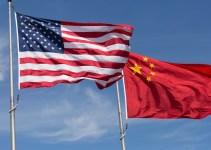 perdagangan global China AS - Bendera Amerika Serikat dan Tiongkok