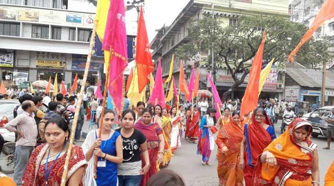 PHOTO STORY- फागुण महोत्सव के अवसर पर श्याम मंदिर द्वारा निकाली गई शोभा यात्रा
