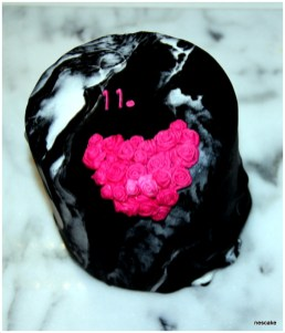 Pink Heart Marble Cake- min 10 person