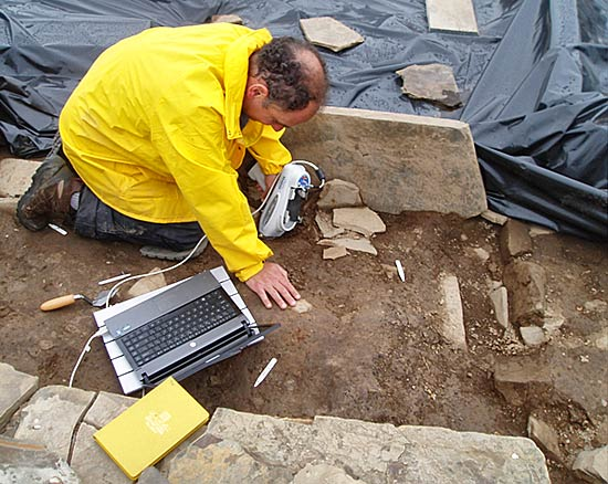In Structure 10 Scott starts systematic sampling the floor deposits
