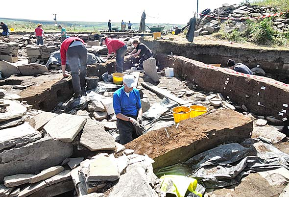 2014: The baulks are removed in the central midden area to the south of Structure One. (ORCA)
