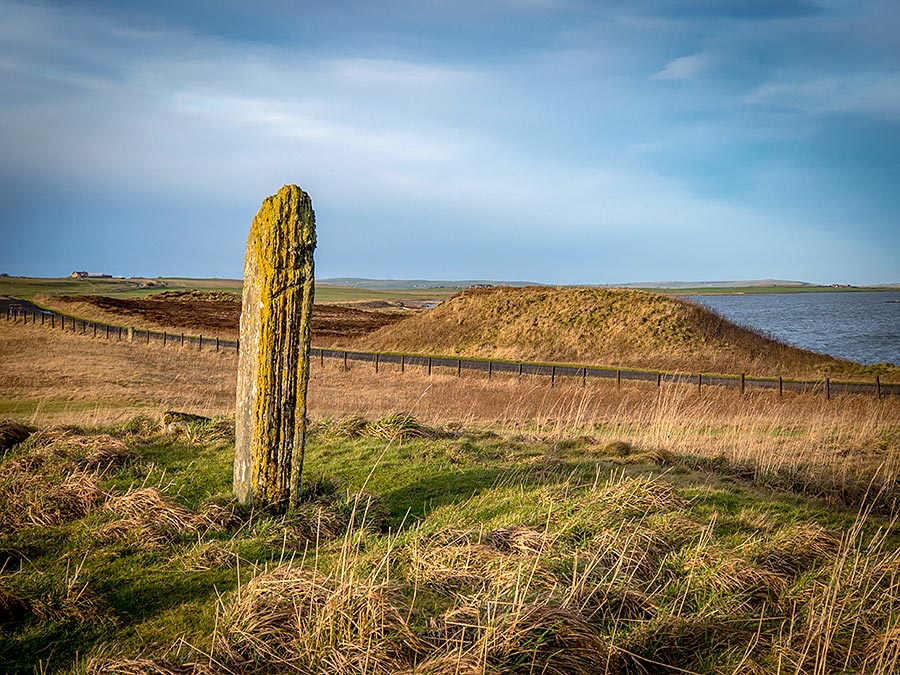 Fresh Knowe, one of a number of large mounds and barrows surrounding the Ring of Brodgar.