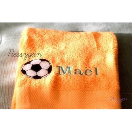 serviette de bain personnalisee ballon de foot