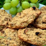 raisin banana oat biscuits