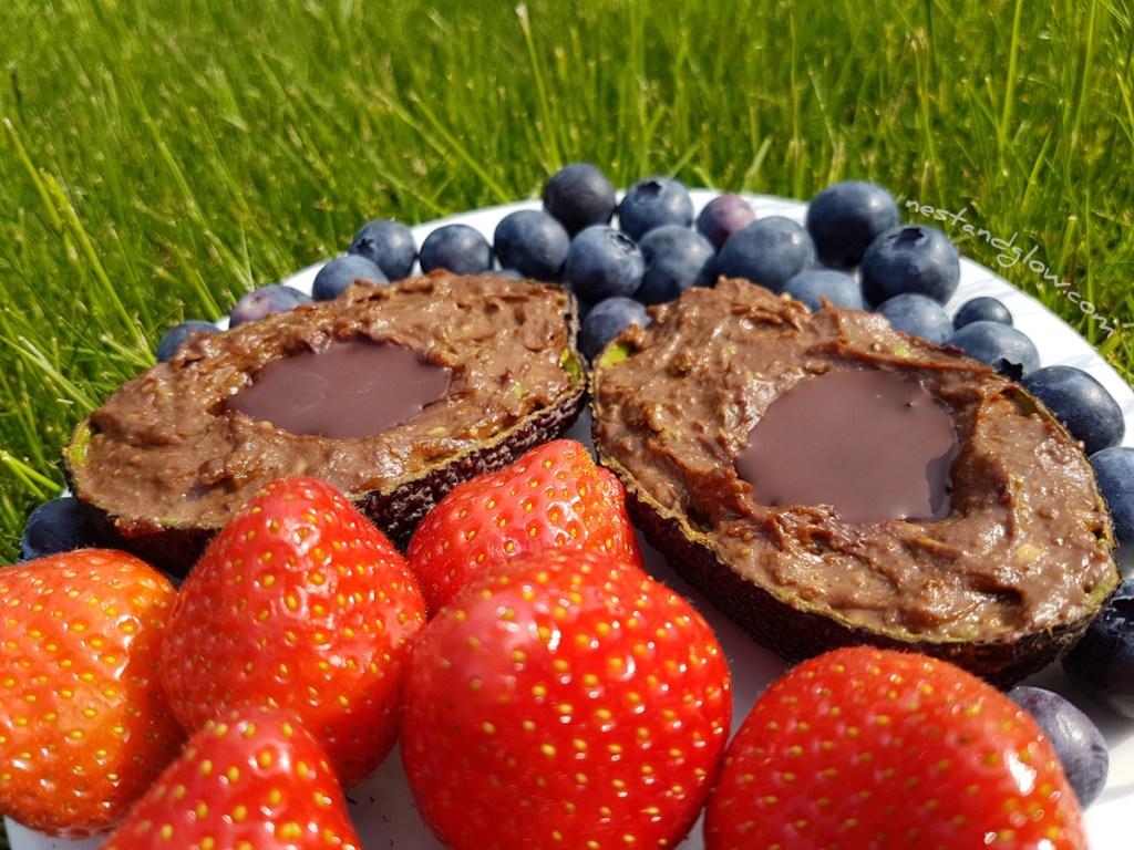 vegan chocolate avocado mousse pudding