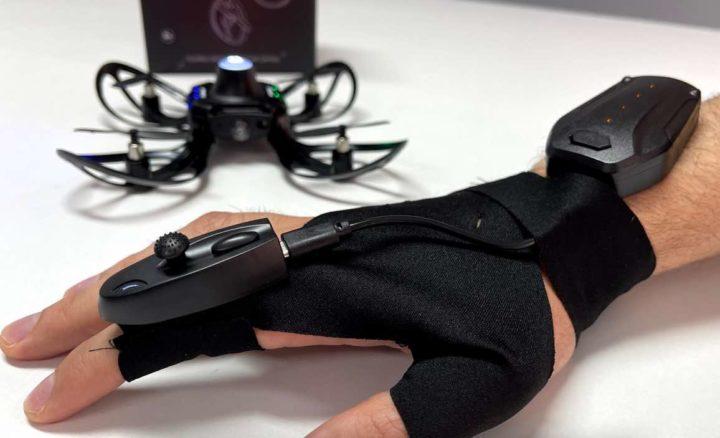 1622661857 972 Helix El pequeño dron que es controlado por