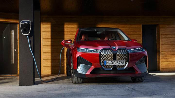 BMW iX xDrive50: 630 km de autonomía y 523 CV