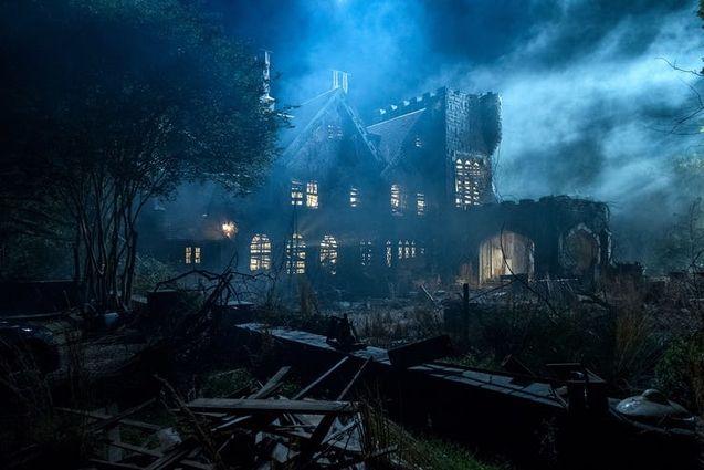 the haunting of hill house The Haunting of Hill House : une série sur la maison hantée la plus célèbre des États Unis
