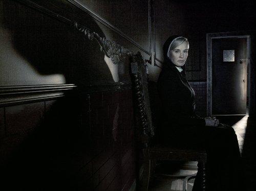 American-Horror-Story-Saison-2-0-6
