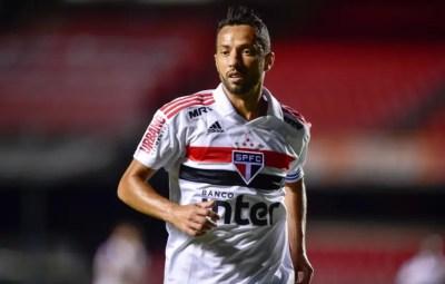 6027fbeaa1929 São Paulo aguarda resposta do Fluminense para trocar Nenê por Calazans