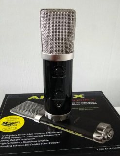 Microphone X™ USB microphone with analog processing