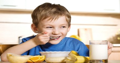 kid enjoying a healthy breakfast-Netmarkers