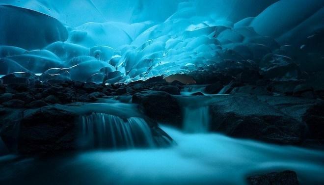 Mendenhall Ice Caves, Juneau, Alaska-Netmarkers