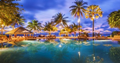 Phuket, Thailand-Netmarkers