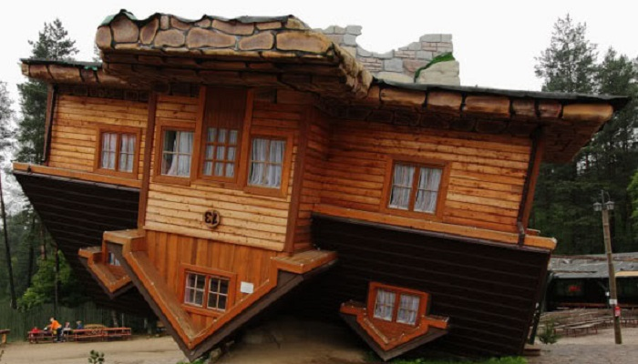 poland-the-upside-down-house-netmarkers