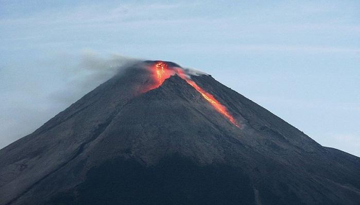 mount-merapi-nears-eruption-netmarkers