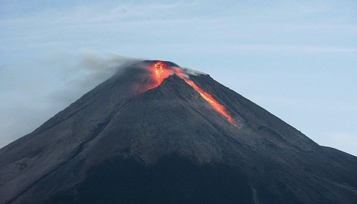 mount-merapi-nears-eruption-netmarkers