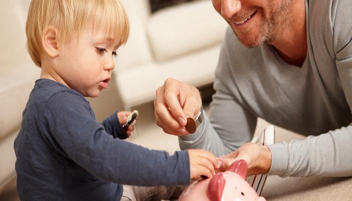 Kids-saving-a-money-Netmarkers