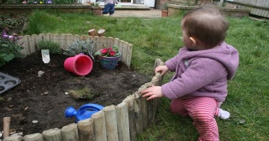 Take-your-toddle-to-garden-Netmarkers