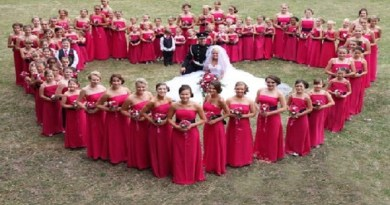 Bride-had-110-bridesmaids-Netmarkers