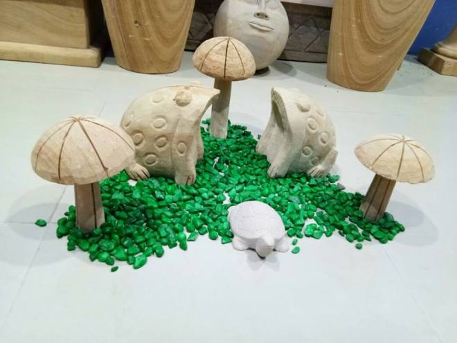 stone frogs by stonemart