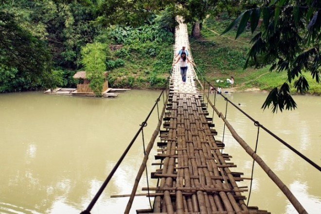 philippines bohol tigbao hanging bridge loboc river visayas