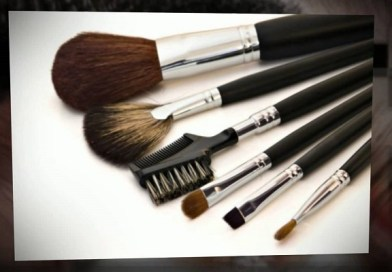 25 Best Professional Makeup Brushes For You!