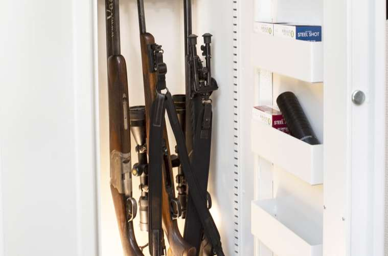 Opbevaring af våben i våbenskab