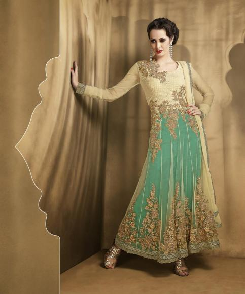 Latest styles and trends of Indian clothing