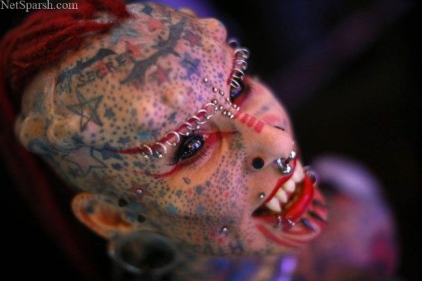 tattoo-piercing-4_3182036k