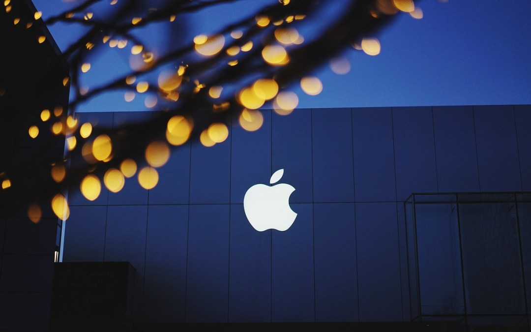 Apple makes history by becoming first company to reach $1 trillion market value
