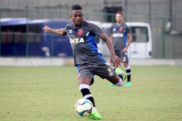 Kelvin é uma das novidades do Vasco para a partida contra o Nova Iguaçu