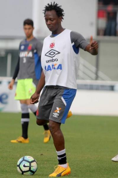Andrezinho disputou apenas 13 partidas pelo Vasco este ano