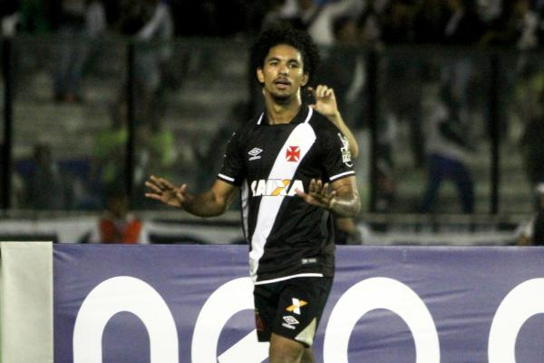 Revelação do Vasco, Douglas está perto de deixar o clube rumo à Europa