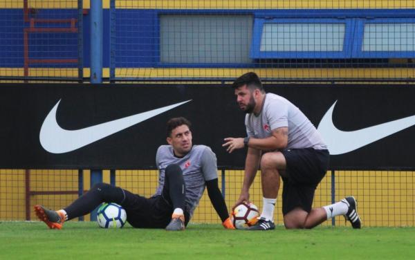 Martin Silva com o preparador de goleiros Fabio Tepedino. Os dois possuem uma ótima relação até hoje