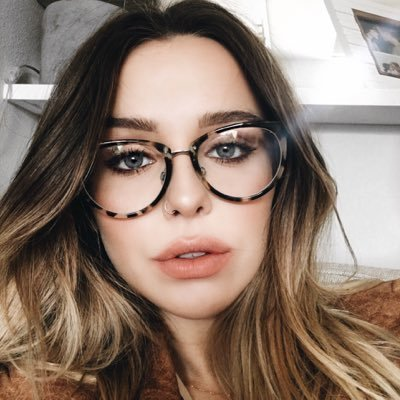 Acacia Brinley Net Worth | NetWorthDatabase
