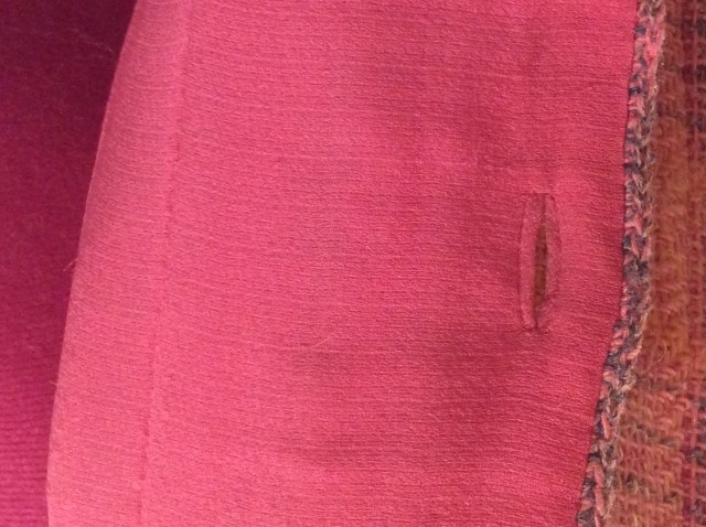 Buttonhole in lining