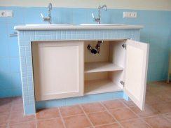 Waschtischunterschrank-in-Ahorn-weiss-gebeitzt-und--lackiert-bearbeitet