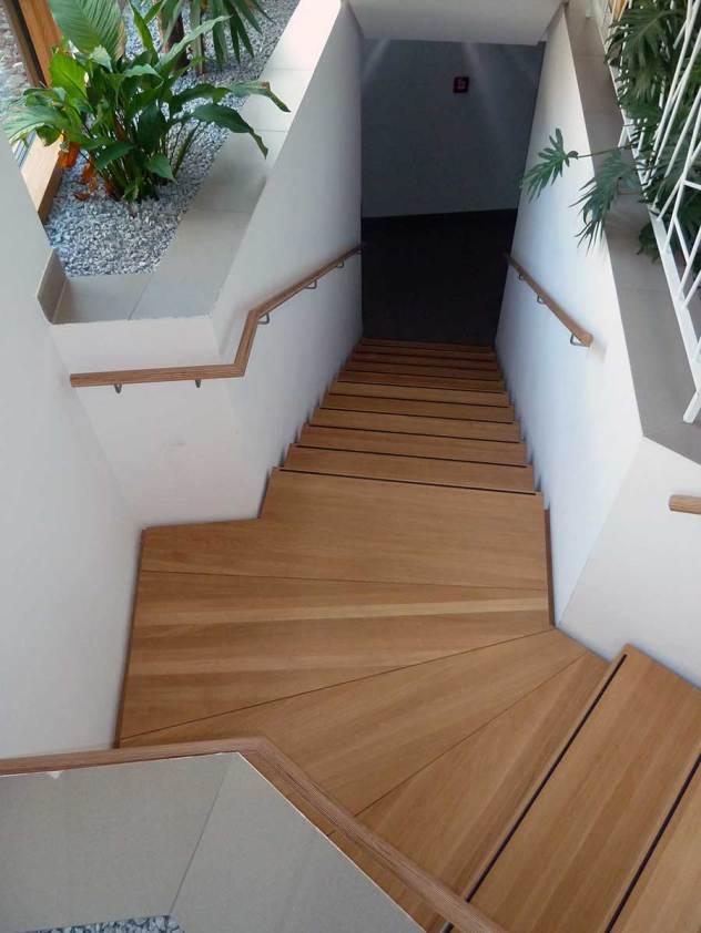vom-Keller-bis-zum-Dach-Stufen-auf-Beton-bearbeitet