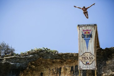 Maurice Lacroix Partner der Red Bull Cliff Diving World Series 2014