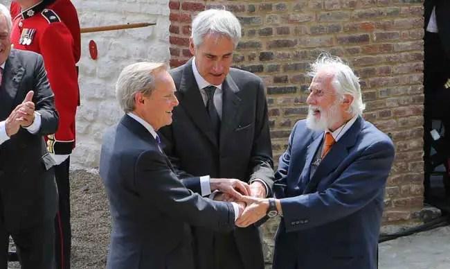 Breguet_Waterloo_Handshake
