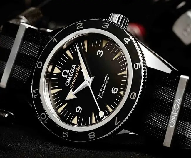 James Bond trägt Omega Seamaster Spectre Limited Edition