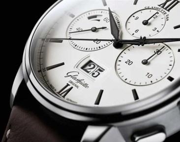 Black&White: neue Variante des Senator Chronograph Panoramadatum