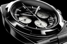 Vacheron Constantin Overseas: black is back