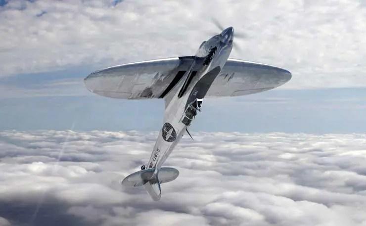 Silver Spirit fliegt einen Looping