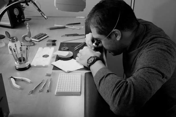 https://www.mauricelacroix.com/eu_de/watches/watches-aikon/aikon-automatic-42mm-ai6008-pvb01-330-2