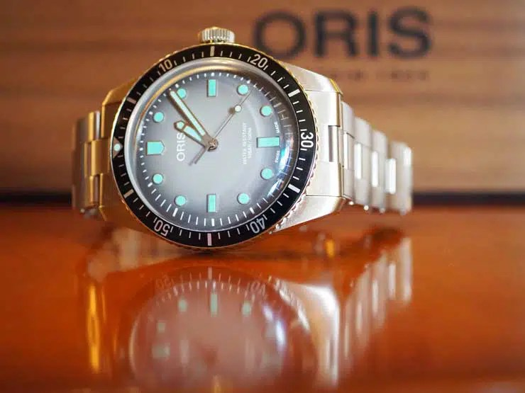 740. Oris Divers SixtyFive Glow
